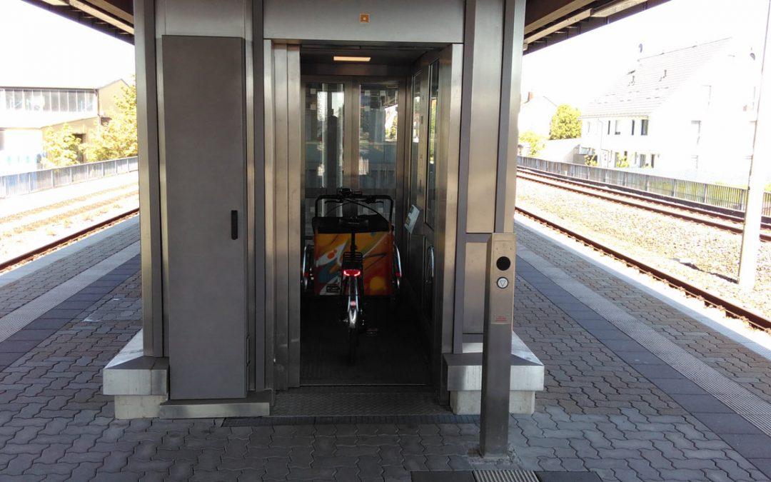 KLARA will S-Bahn fahren, darf aber nicht