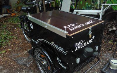 RadAmbulanz Lastenrad rückt aus